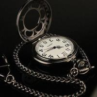 China Men's New Black Stainless Steel Case White Dial Antique Pocket Watch with Chain on sale