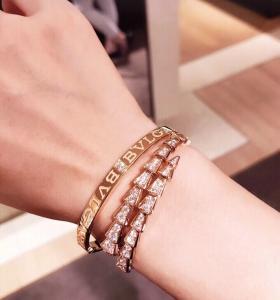 China Fashion 18K Gold Charm Bracelet Custom Made With Diamond And Gemstone on sale