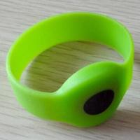 Wholesale NFC Silicone/RFID Wristband with 860 to 960MHz Operating Frequency  from china suppliers