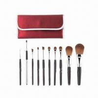 Wholesale Kabuki Makeup Kit with Wooden Handle from china suppliers