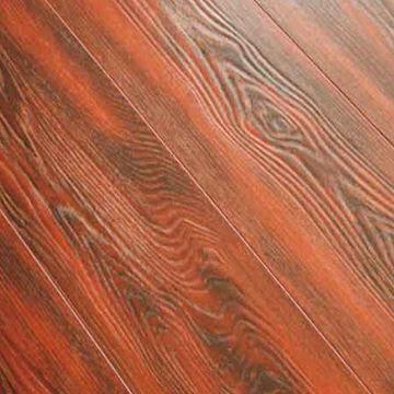 Deep registered embossed eir laminate flooring beveled for Beveled laminate flooring