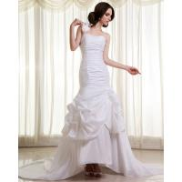 China Womens Extra Long Train ruffled slim Wedding Dresses with Flower Shaped on sale