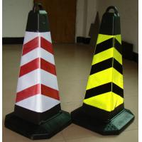 Polychrome Retractable Railing Stand