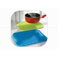 Wholesale Heat Resistant Anti Slip Silicone Mat / Silicone Pot Mat Square Shape FDA Certified from china suppliers