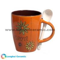 China China factory/manufacturer supplied 12oz hand-painted chrysanthemum ceramic coffee mug on sale