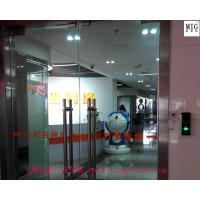 Wholesale company logo mascots statue  in props and oddities door gate exhibition decoration from china suppliers