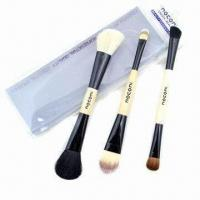 Wholesale Cosmetic Brush Set with Wooden Handle from china suppliers