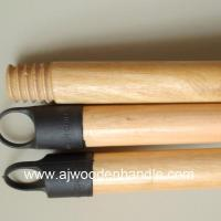 Lacquered handle for cleaning tool